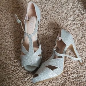 XOXO Silver Glitter StilettoHeels